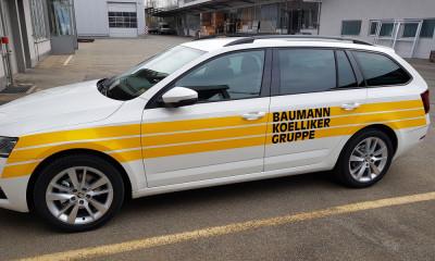 Fahrzeugbeschriftung für Service-Auto