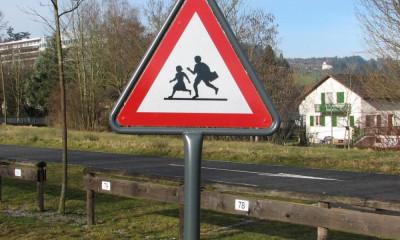 Verkehrsschilder, Gefahrensignal Kinder